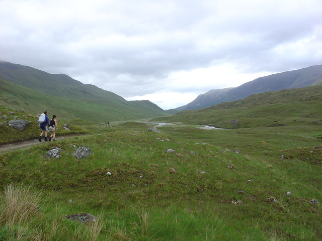 Heading East along River Affric