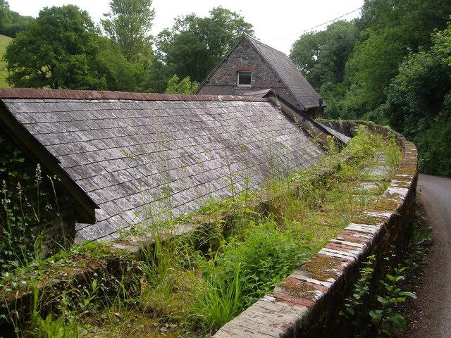 Leat aqueduct at Dittisham Mill