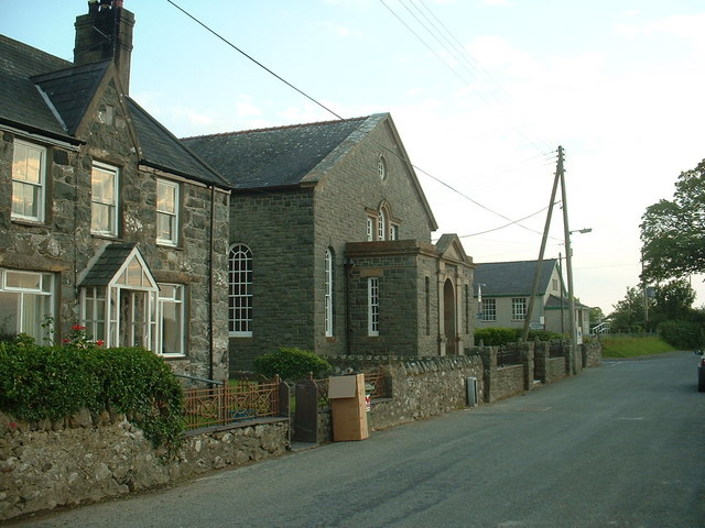 Clynnog fawr: Cottage, Chapel and Village Hall