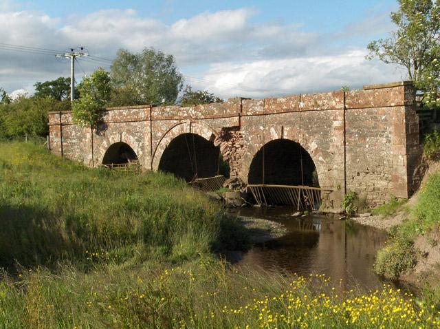 Old bridge, near Kippen Station