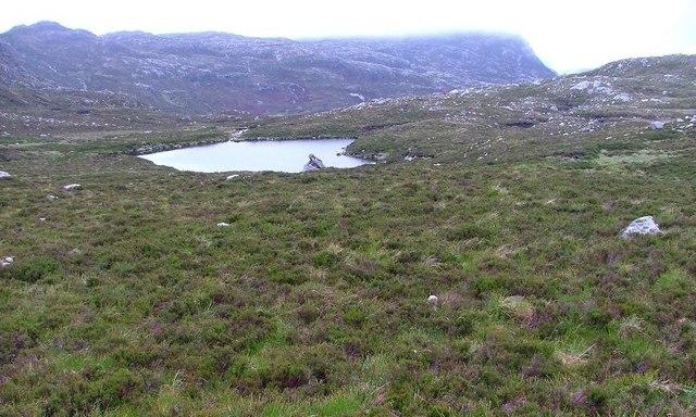 Lochan, 375m Contour