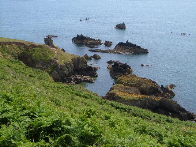Combe Rocks & Western Combe Cove