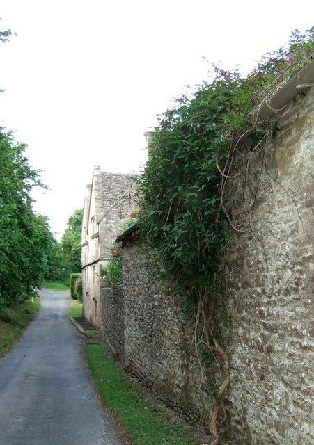 Lane past Througham Court
