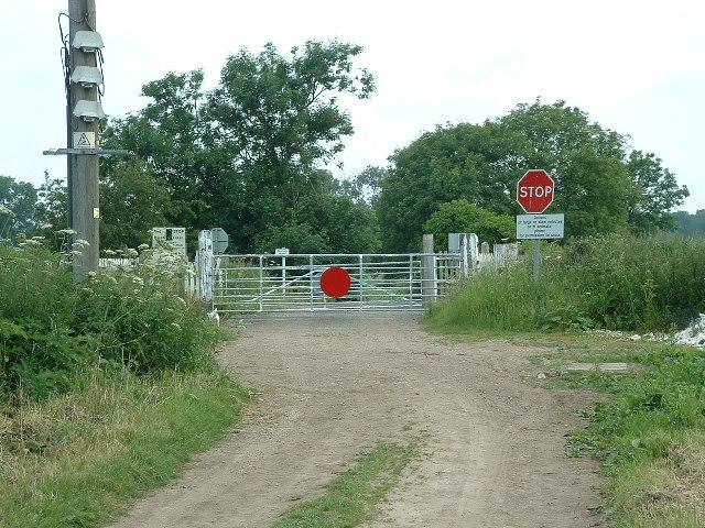 West Cowick Railway Crossing