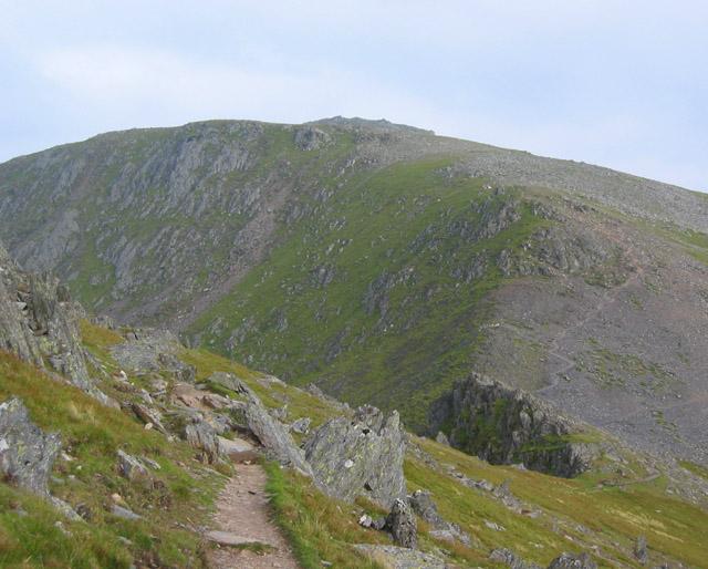Col between Yr Elen and Carnedd Llewelyn