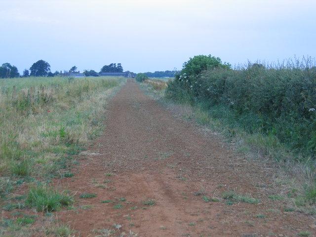 D'Arcy Dalton Way heading towards Hornton Grounds