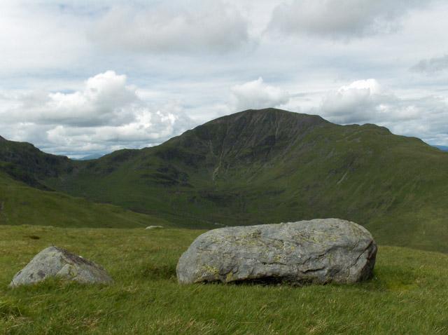 Boulders on Stiol nan Tarbh