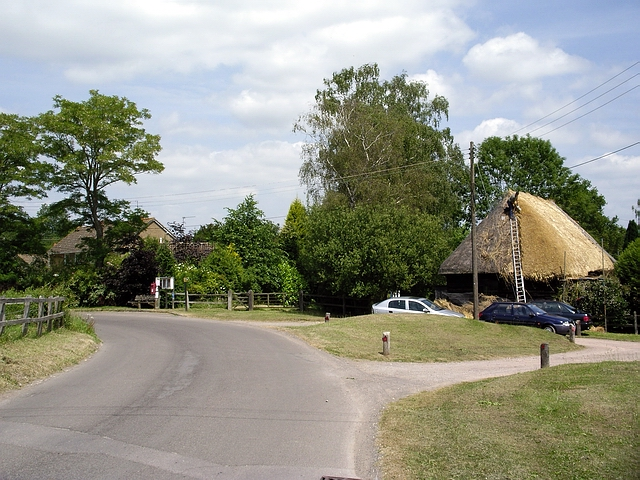 Rethatching in East Grimstead