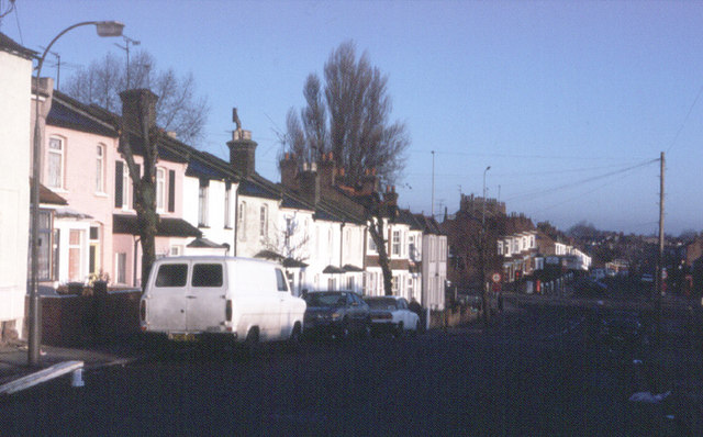 Long Lane and A406 - 1984