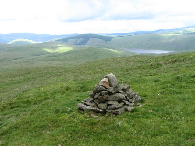 Cairn on the side of Ballaman Hill