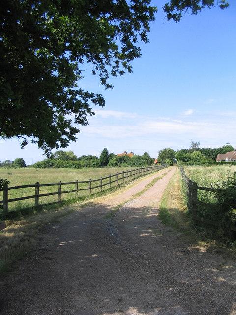 Farm Road, Claydons Farm