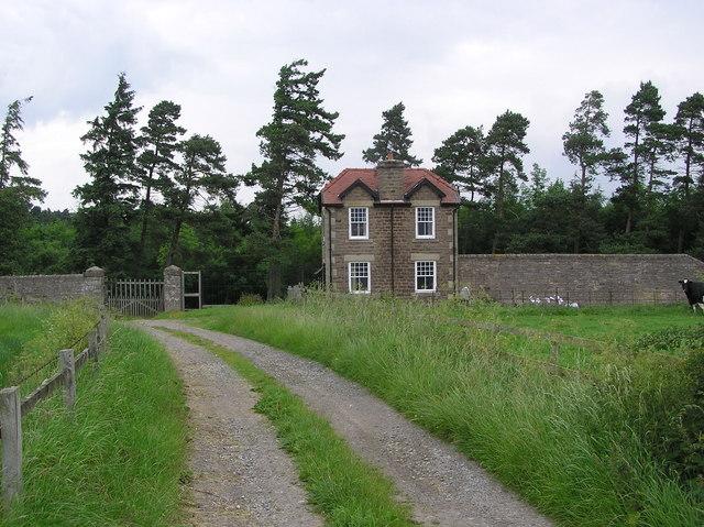 West Lodge : Moor Road