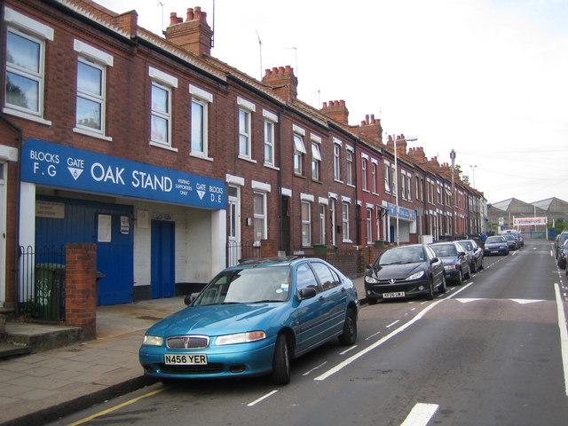 Luton: Oak Road