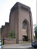 TL0822 : Luton: St Andrew's Church by Nigel Cox
