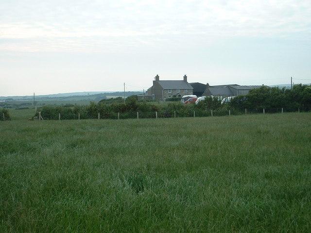 Llawrdref farm