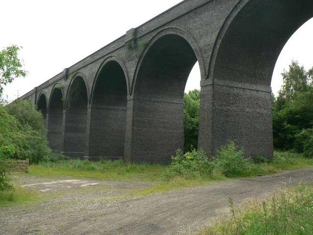 Disused railway viaduct, Calder Grove