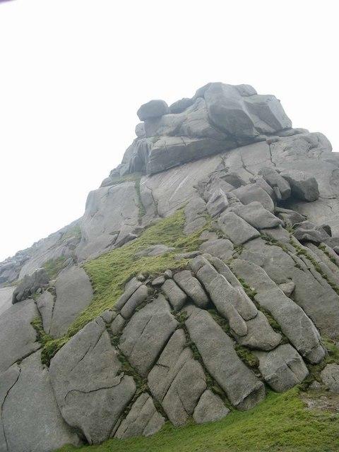 Granite tor on the north ridge of Beinn Tarsuinn