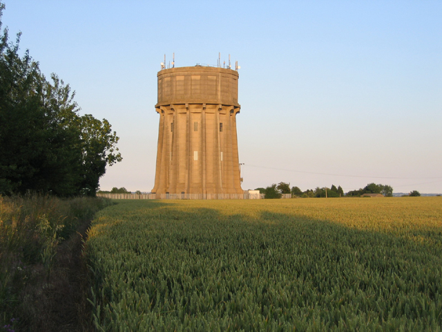 Water tower, Stondon, Beds