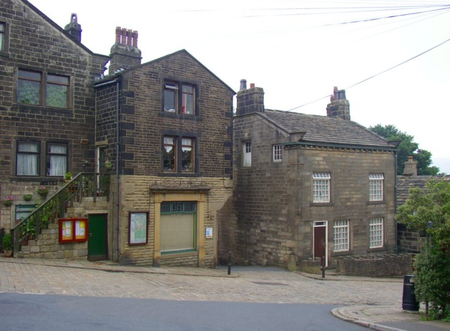 Former Shop and Kendal House, Heptonstall