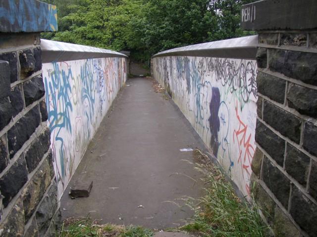 Footbridge over the railway, Springwood, Marsh (Huddersfield)