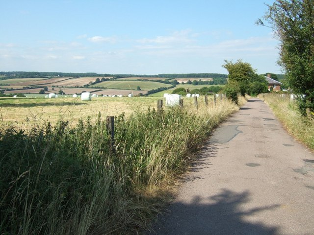 Bridleway to Church Farm, Little Gaddesden