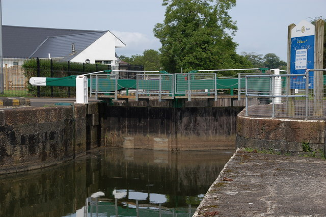 Lock at the Cutts, River Bann Colaraine; © Copyright Albert Bridge; click to http://www.geograph.ie/