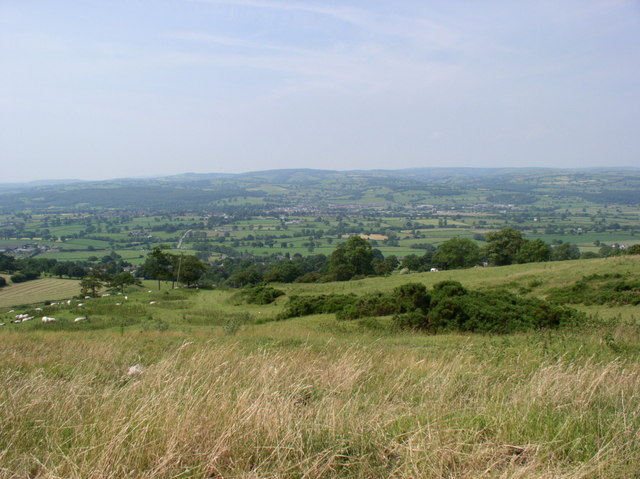 Moel Fenlli and the Vale of Clwyd