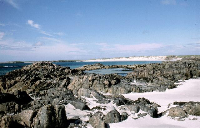 Eilean Ghreasamuill and Traigh Throdhrasdail, Tiree