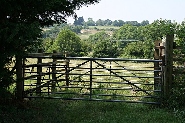 Double Gate and Valleyside Fields
