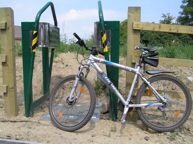 Cycle gate to nowhere