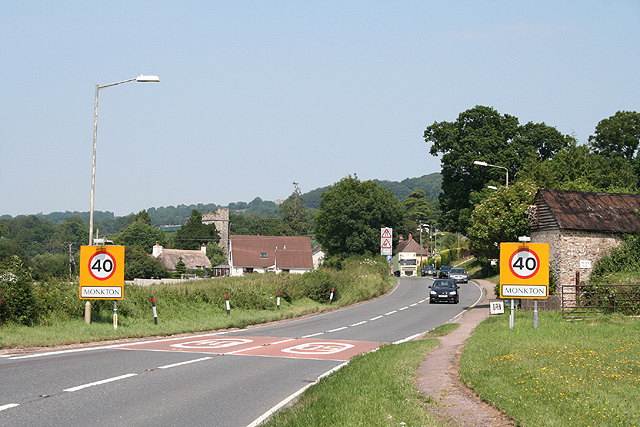 Monkton: nearing the village