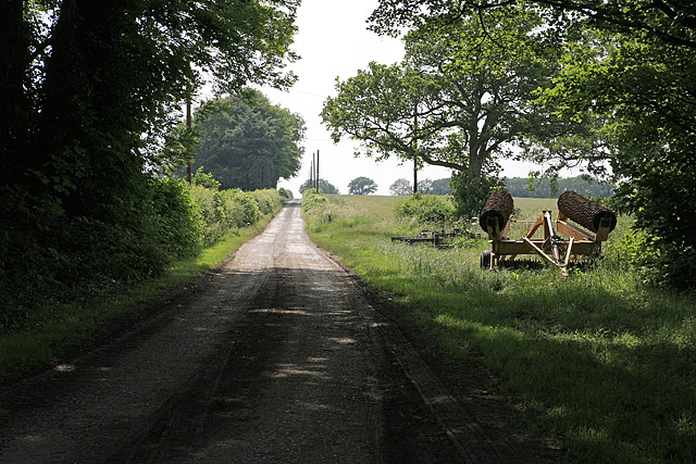 Footpath and drive to Dogdean Farm, nr, Homington