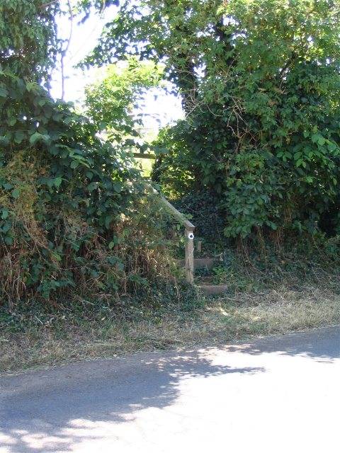 Footpath, Hollowell