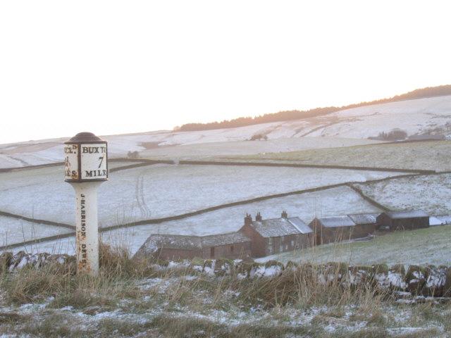 Hindsclough Farm and milepost
