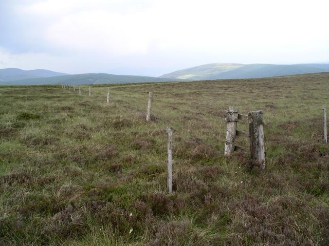 Fence junction, Deepslack Knowe
