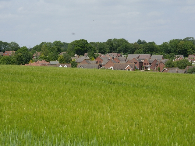 Field and housing at Middle Winterslow