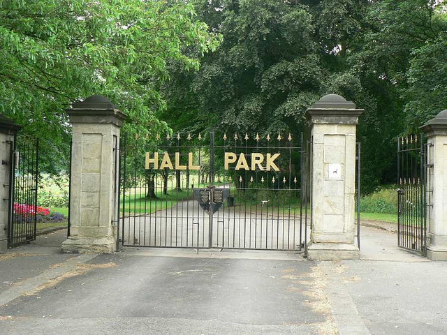 Gates of Horsforth Hall Park