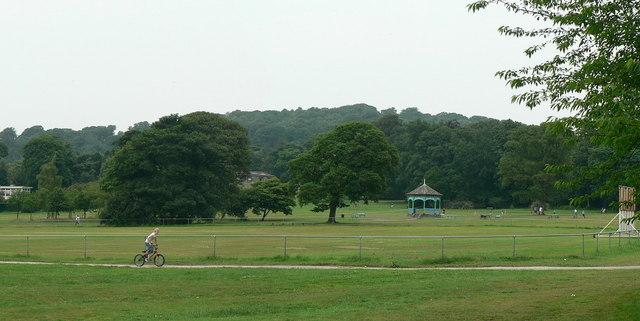 Cricket pitch, Horsforth Hall Park