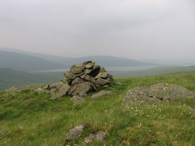 Cairn on the side of Whiteside Hill