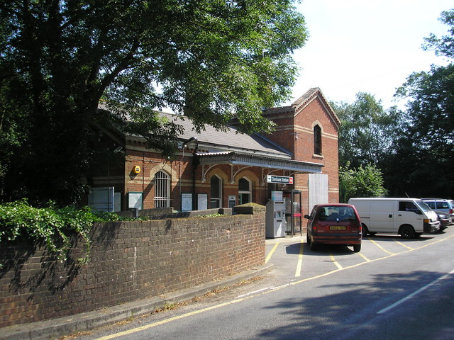 Dormans station, Surrey