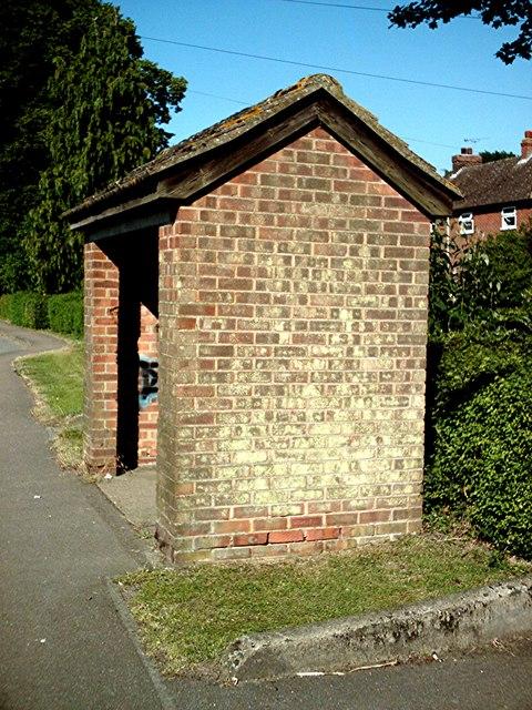 Bus shelter - Badwell Ash