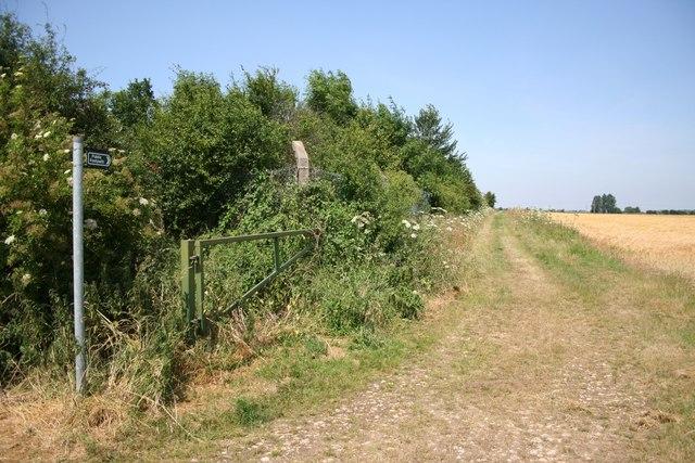 Footpath to Danby's farm