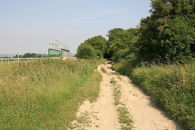 Bridleway beside Salisbury Racecourse