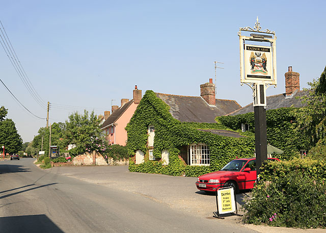 Radnor Arms pub, Nunton