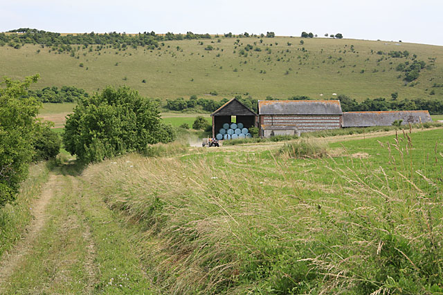 Farm buildings linked to Throope Manor House, Bishopstone