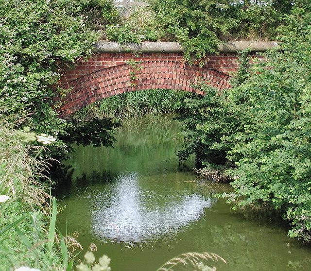 Red Enholmes railway bridge, Winestead