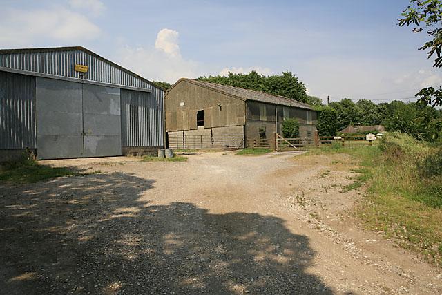 Bungalow & farm buildings at Faulstone Down Farm