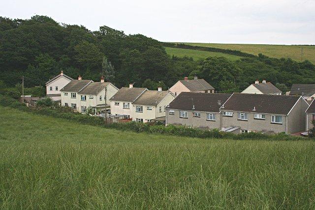 Houses on the edge of Flushing