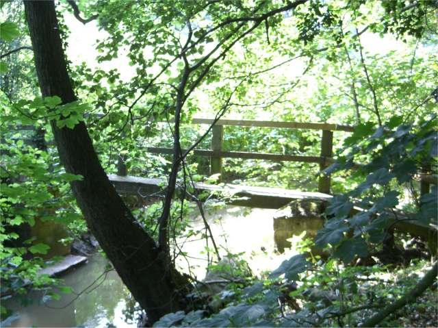 Footbridge over Valley Brook