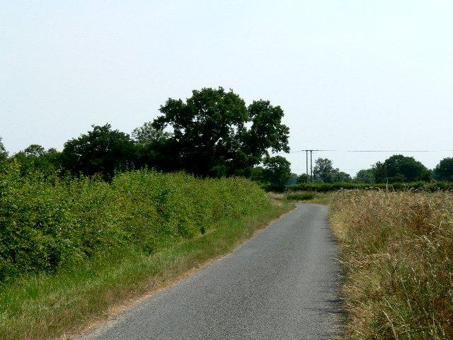 Approaching Woodhall on Woodhall Lane